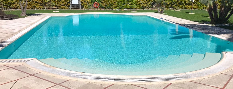 Rivestimento piscina con numerose personalizzazioni a for Rivestimento piscina